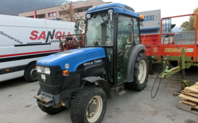 new-holland-tn65v-33396-1
