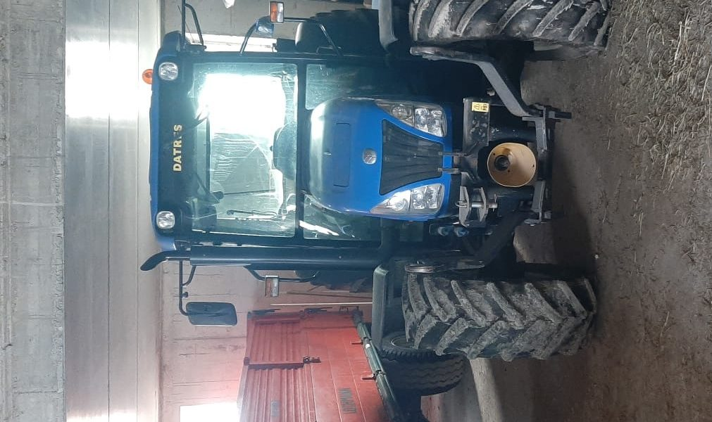 new-holland-t4050-1